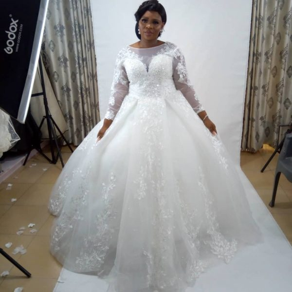 Ball wedding gown for rent