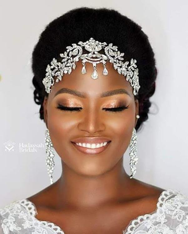 Styling natural bridal hair