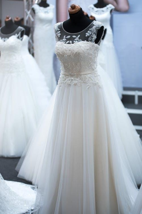 wedding gowns rentals