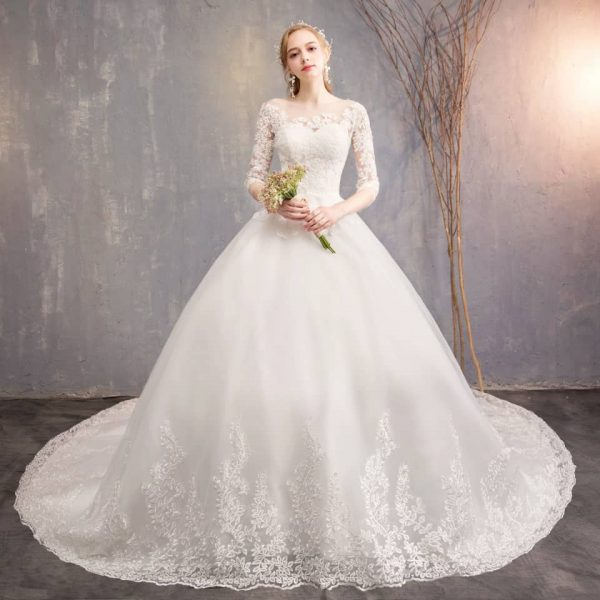 Ball wedding gown with sleeves
