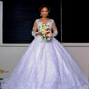 Ball wedding dress with sleeves
