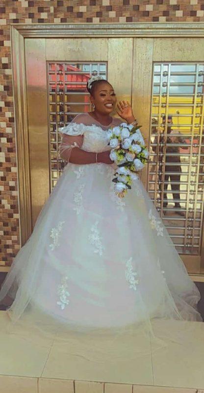 rent your wedding dress